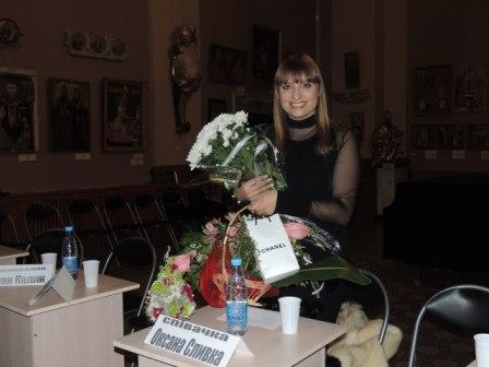 Презентація кліпу Оксани Сливки до різдвяної пісні  «Святкова»