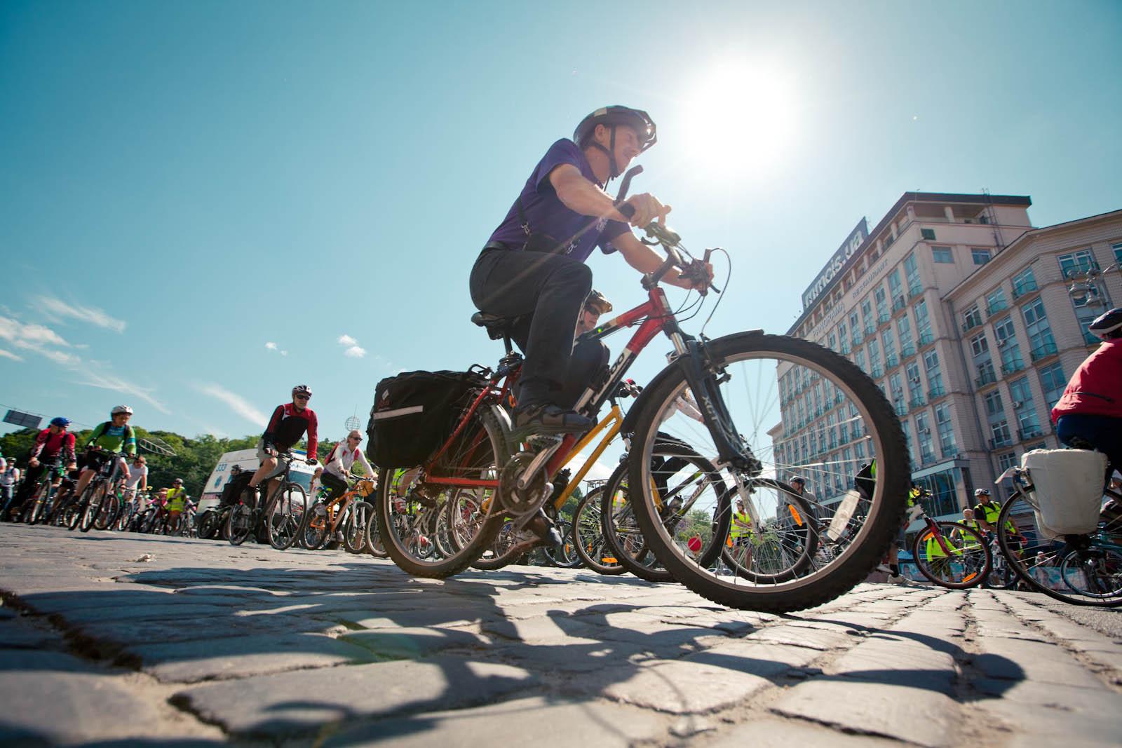 Велопробіг, майстер-класи талотерея: УФранківську проходить масштабний Велодень