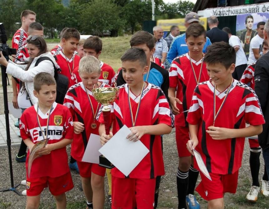На Косівщині відбулися футбольні змагання пам'яті Назарія Яремчука