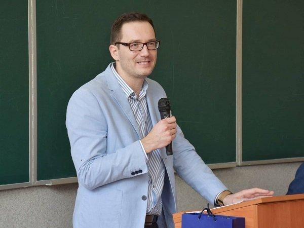 Відомий економіст з Прикарпаття отримав премію імені нобелівського лауреата