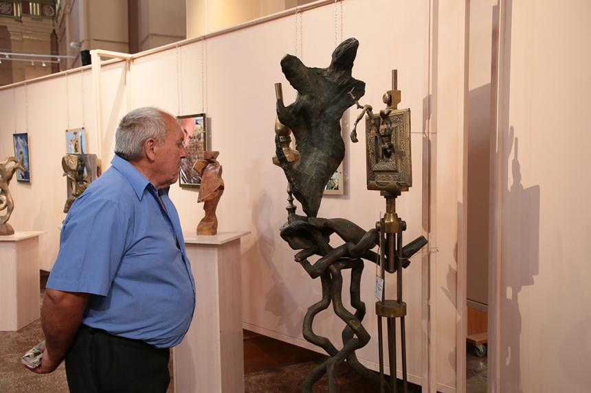 У Франківську відбулася виставка скульптора Бориса Гуцуляка, фото-1