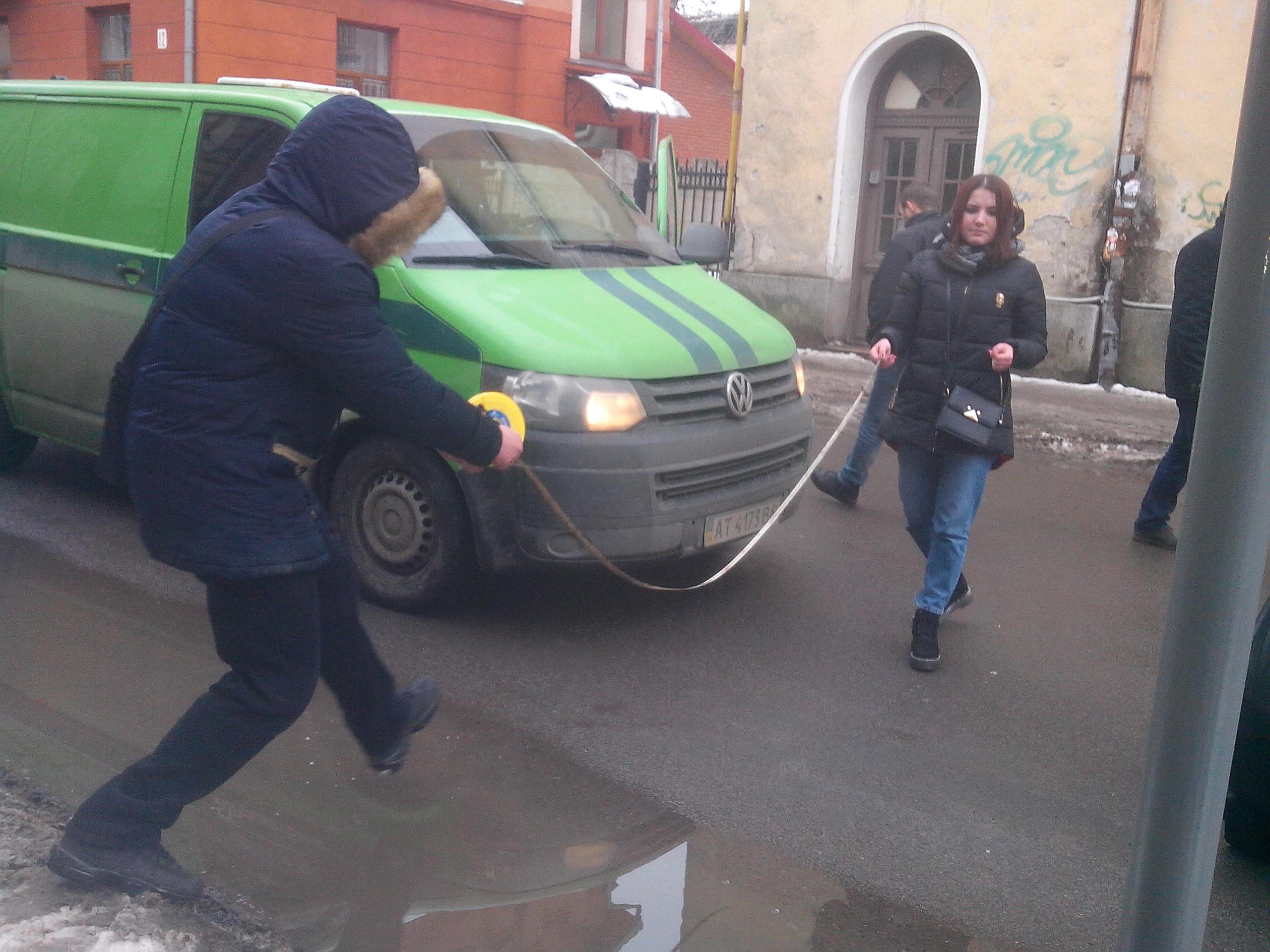 Як на одній з франківських вулиць проводили слідчий експеримент, щодо смертельної ДТП (фото)