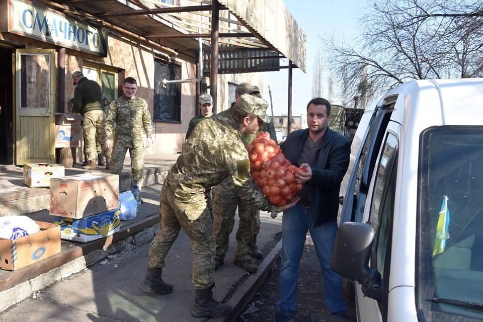 Коломийські гірські штурмовики в АТО на Великдень без пасок не залишаться. Фото Михайла Качурака